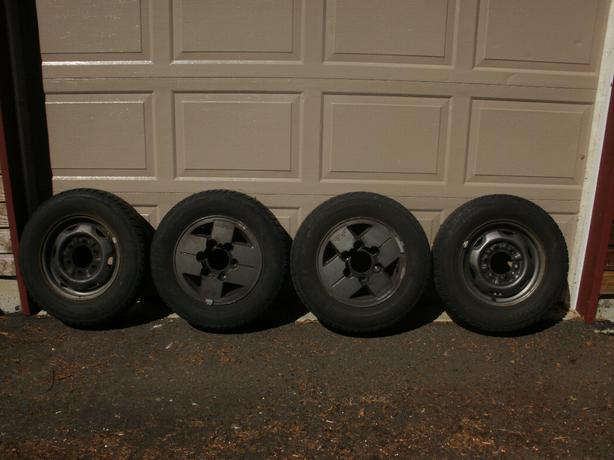 Nissan 6-Bolt 14-inch Winter Tires and Rims