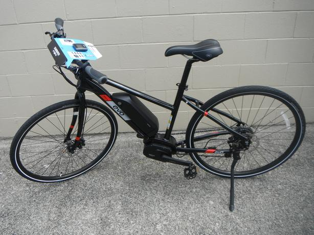 Evo MD1 E-bike with shimano steps