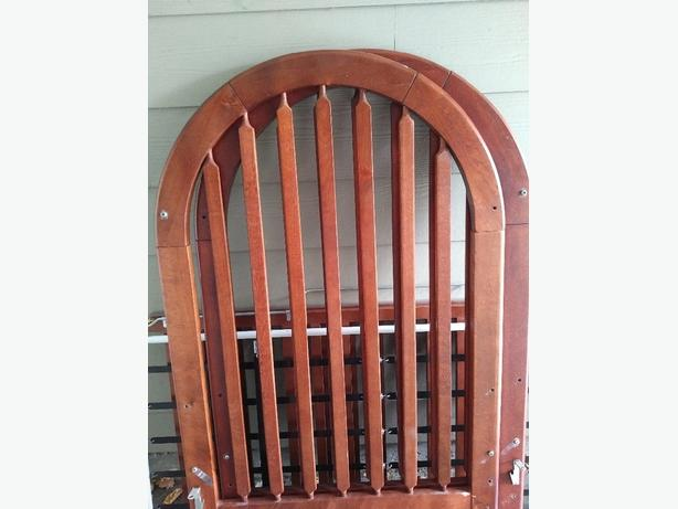 FREE: solid wood crib