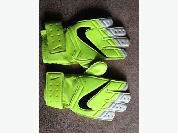 Nike Soccer Goalie Gloves