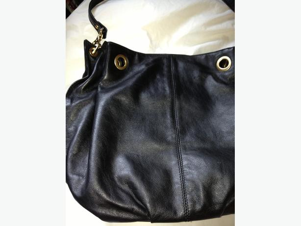 Leather purse, used only once