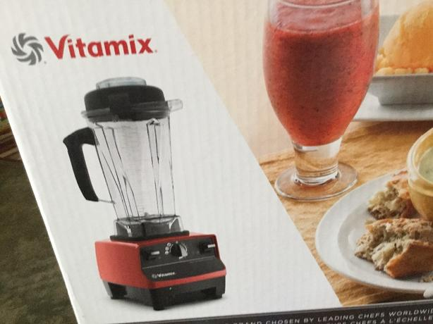 Vitamix PERFECT CONDITION WITH RECIPES, INTRO DVD + ORIGINAL BOX