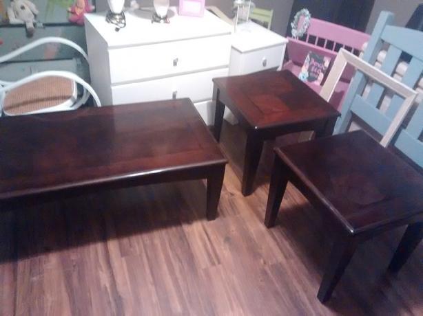 mohaggony table set