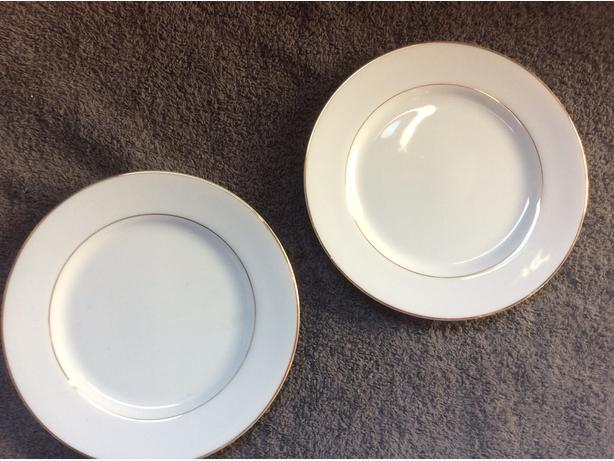 Porcelaine china dinner table set
