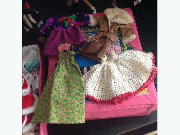trunkfull barbie. ken dolls and wardrobes.70's 80's horses