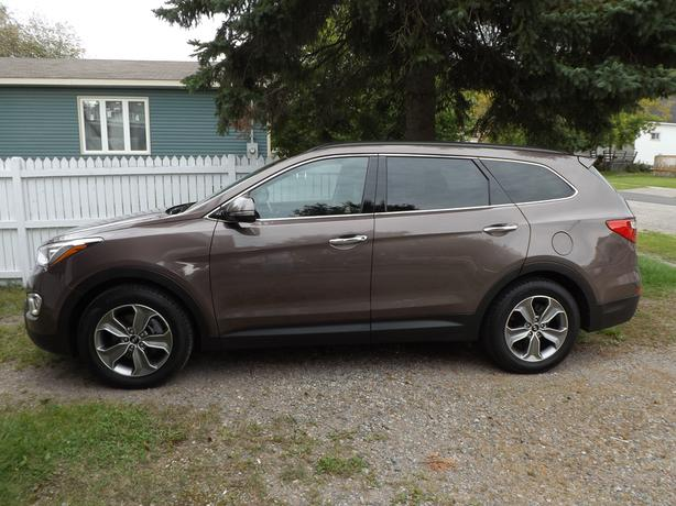 2014 hyundai santa fe xl immaculate condition low mileage sault ste marie sault ste marie. Black Bedroom Furniture Sets. Home Design Ideas