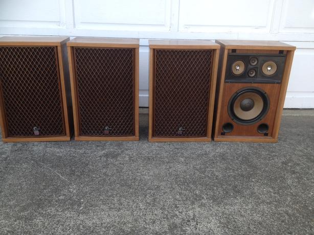 SANSUI SP-1200 SPEAKERS  (4)