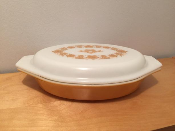 RETRO DIVIDED CASSEROLE PYREX
