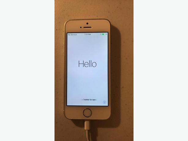 iPhone 5s 32GB Silver Unlocked (Excellent Condition)