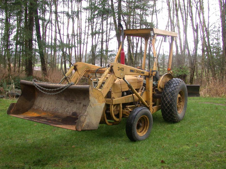 Full Size Tractor Black Creek Comox Valley Mobile