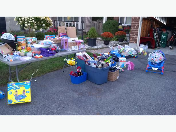 Garage sale toys and home items orleans ottawa mobile for Garage ad orleans