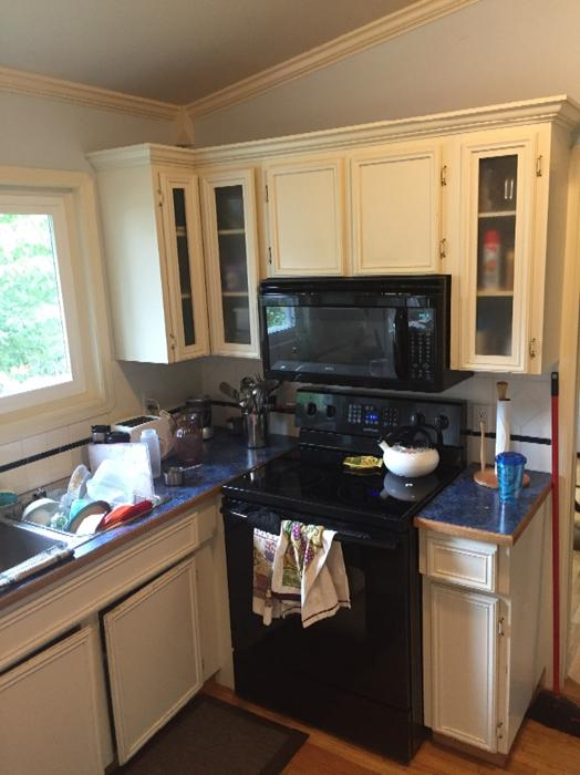 Kitchen cabinets for sale saanich victoria for Kitchen cabinets victoria