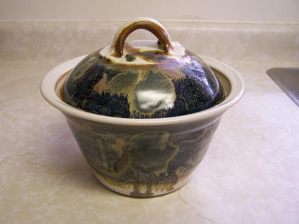Pottery Casserole w/lid