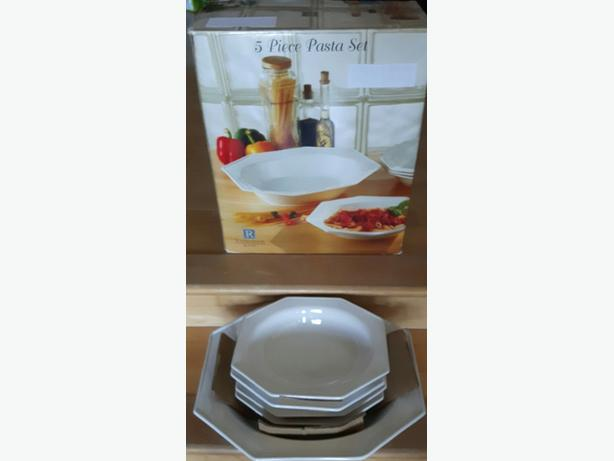 5 piece pasta serving set