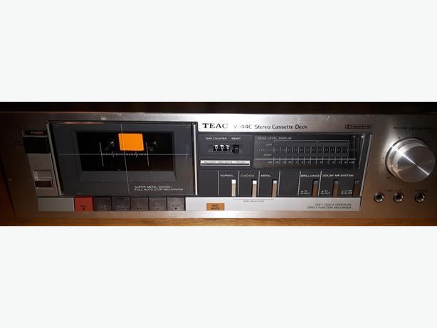 TEAC V44C cassette tape deck