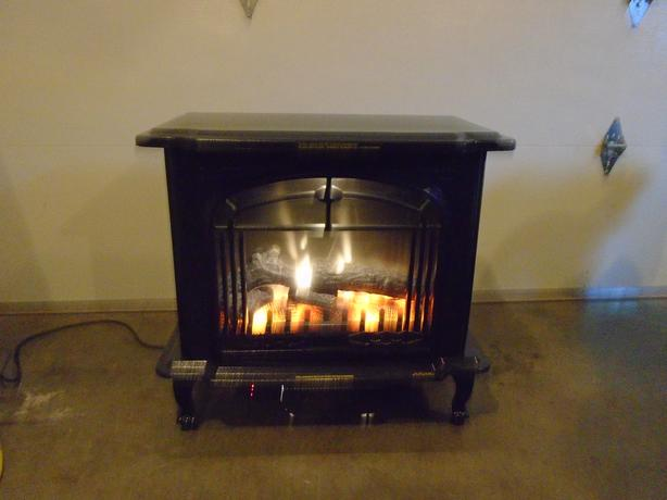 ELECTRIC FIREPLACE  1500 WATT