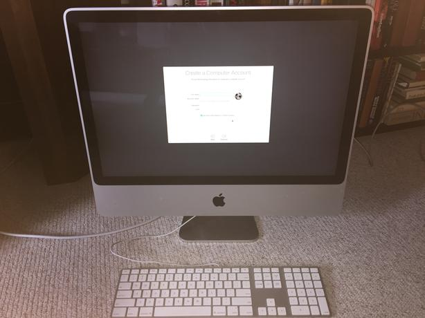 "Apple 2007  Aluminum 24"" Imac 4GB MEM 320GB HD 2.4GHz Core 2 Duo"