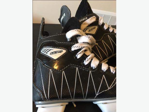 Boys CCM Size 11J Hockey Skates
