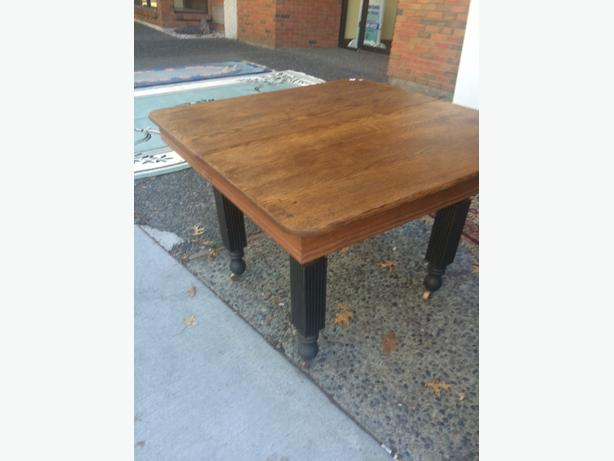 solid oak table no leaf
