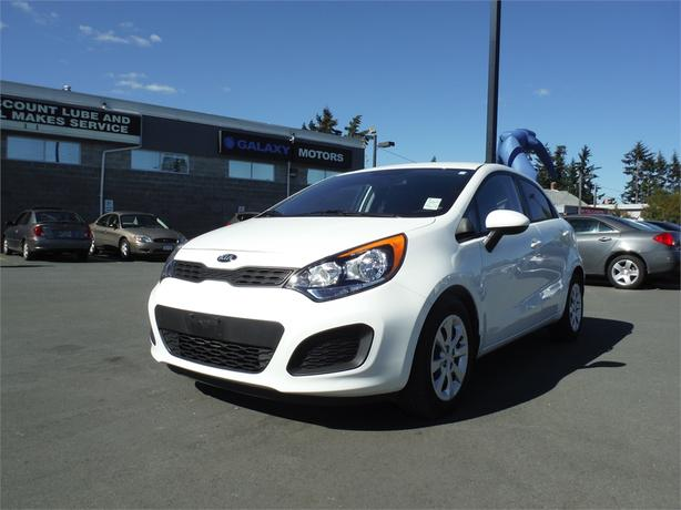 2015 Kia Rio5 LX - 6spd Manual, Accident Free, Satellite Radio