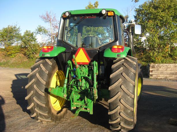 2012 John Deere 6125M Tractor