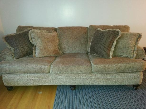 Laz-e-boy couch for sale