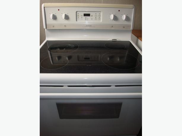 Frigidaire flat top self clean stove