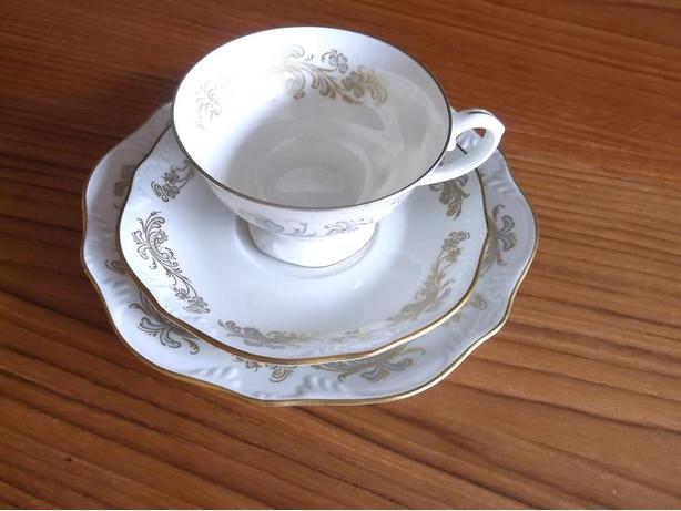 Porcelain cups/saucers/lunch plates