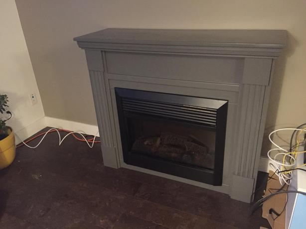 Fireplace (Dimplex BF5000) and mantle