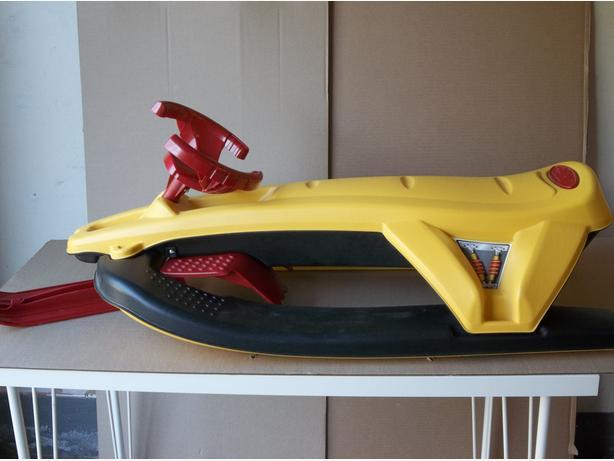 PELICAN SNOW RACER FOR KIDS 6YRS AND UP
