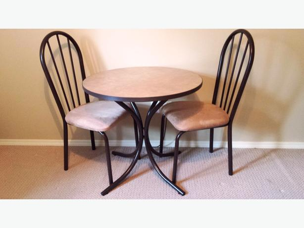 2 matching dining sets (2 tables + 4 chairs)