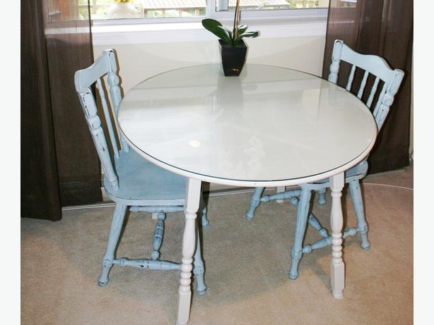french country chic dining set contains a 40 round table painted with