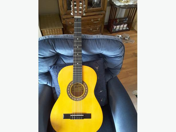 MONTANA Hand Made 3/4 size Acoustic guitar