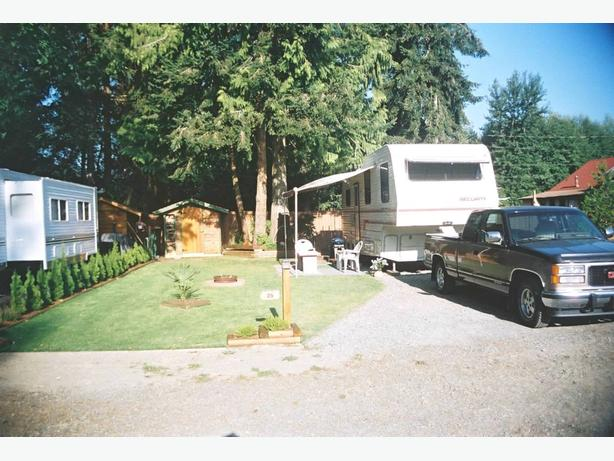 1989 Security 26' Penthouse Fifth Wheel Trailer