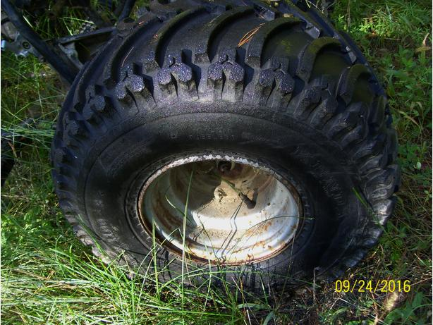 Honda wheels rims 22x11-8 tires excellent condition