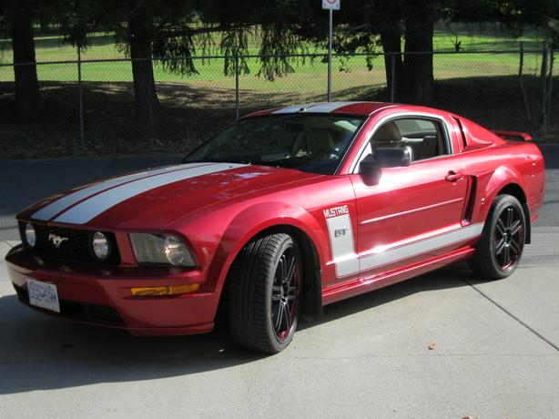 Like New, 2005 Mustang GT