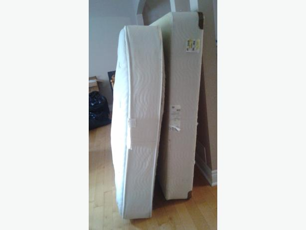 Twin double queen mattress and boxspring for sale