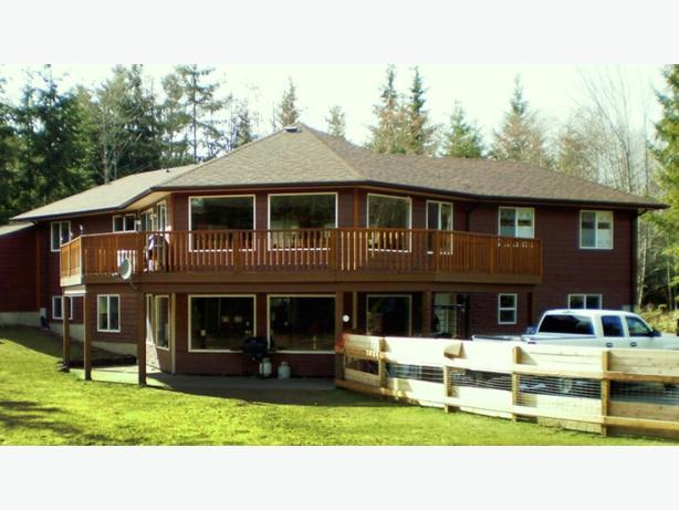 1350 square foot upper suite fror rent.