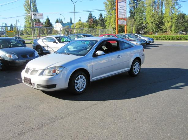 2007 PONTIAC PURSUIT 4 CYLINDER 5 SPRRD WITH AIR CONDITIONING,74,000 KMS