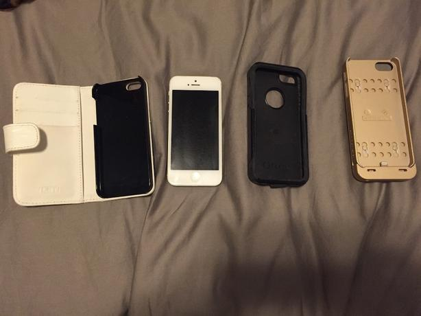 IPHONE 5 AND CHARGING CASE/OTHER CASES GREAT DEAL