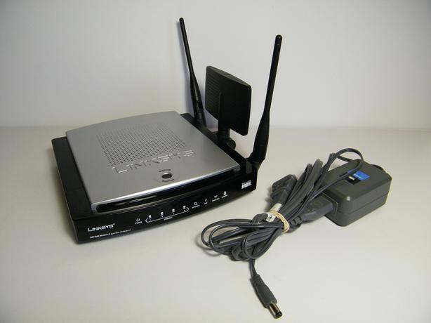 Linksys WRT350N Wireless 802.11N Gigabit Router