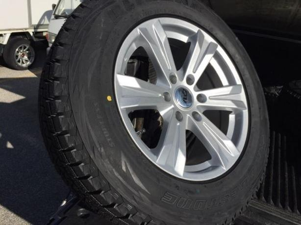 "NEW 18""Acadia/ Enclave/ Traverse winter set+ Bridgestone Blizzak"