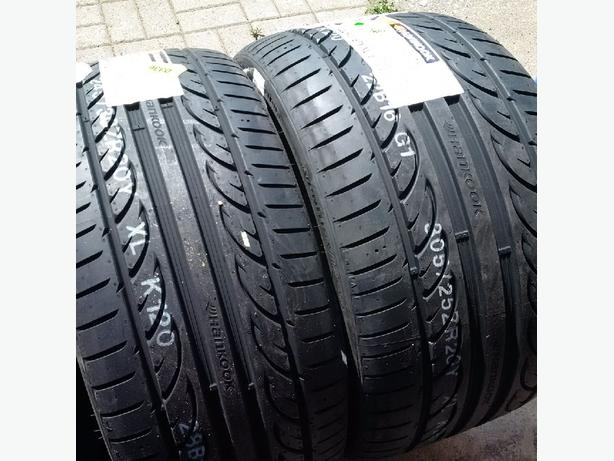 Brand New 245/30R20 & 305/25R20 Hankook Ventus V12 Evo II tires