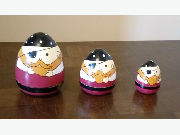 PIRATE NESTING DOLLS