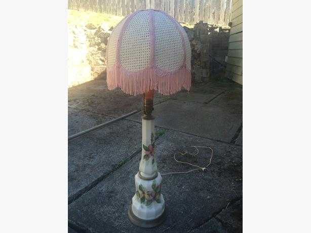 3 ft tall vintage flower lamps