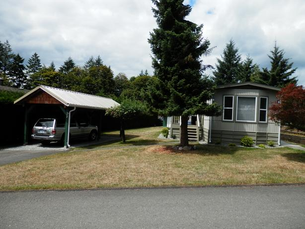 Nicely appointed Mobile Home with many many updates $96500