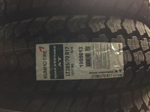 Brand New LT285/70/R17 Kumho Road Venture All Terrain KL-78 tires