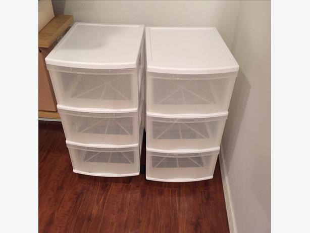 PLASTIC DRAWER SET