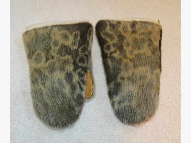 Vintage Spotted Seal Skin Mittens with fully removeable liner