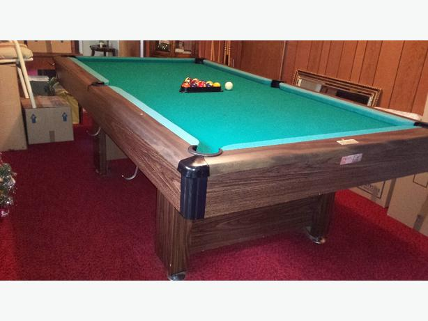 4x8 Brunswick Pool table